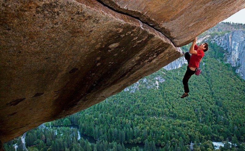 cliff_hanging-focus-none-width-800